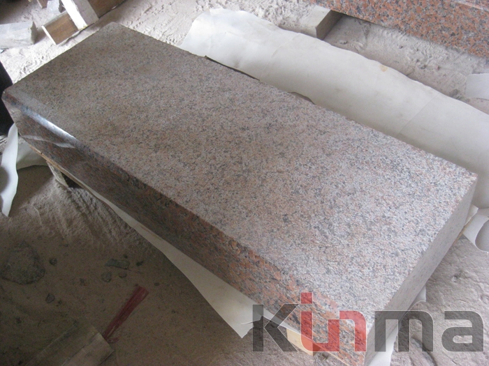 G562 Kerbstones Red Granite