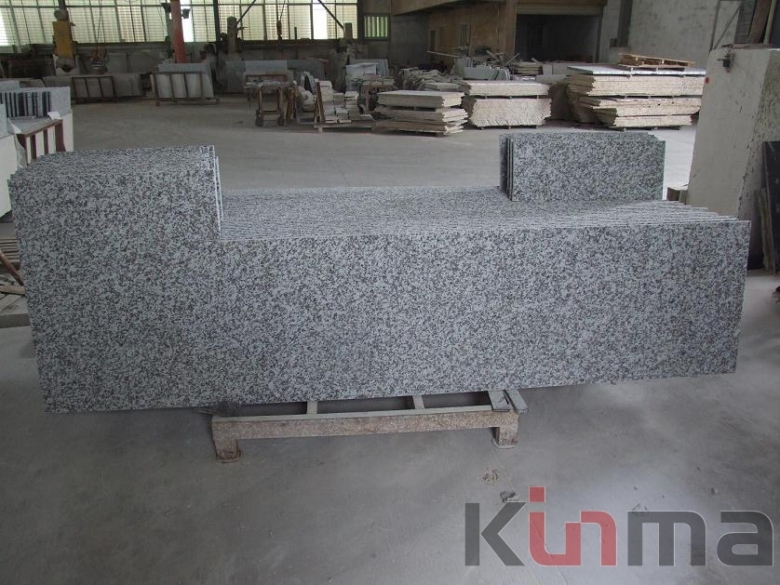 China cheap Granite G439 Gray Granite with white flower