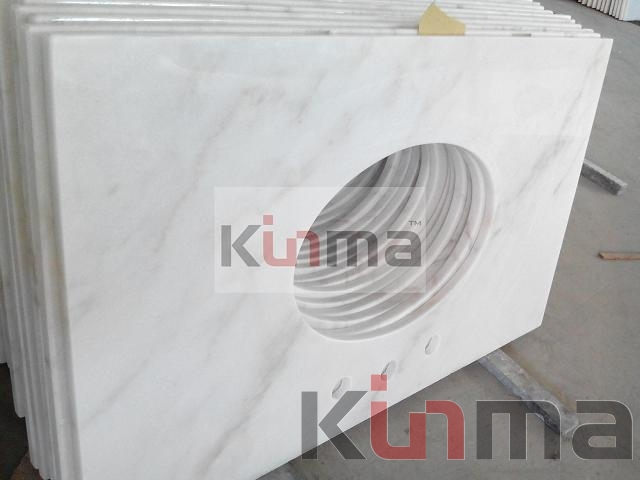 Polished Carrara White Countertop
