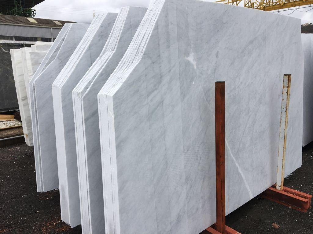 Cararra Bianco marble