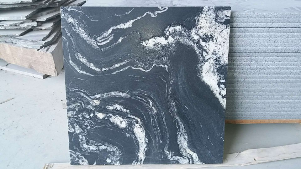 Nero Fantasy granite tile